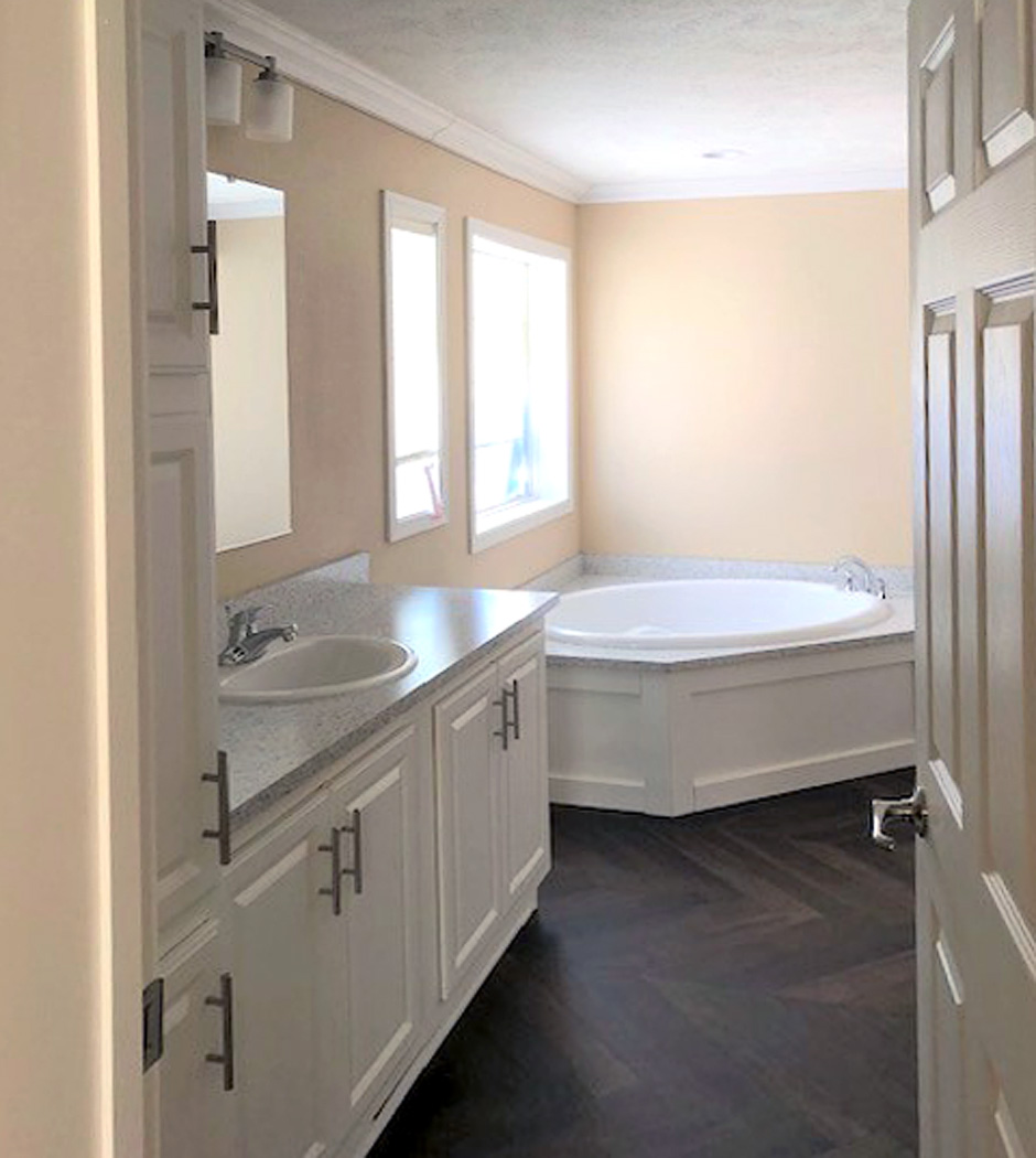 Skyline Homes - Prairie Dune Series - Master Bathroom - from Country